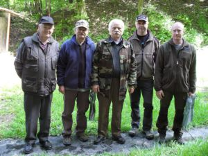 Na fotografii súťažiaci členovia ZO SZTŠ Žarnovica (zľava) P. Ozank, S. Valach, A. Kukla, Ľ. Budinský a I. Bohuš